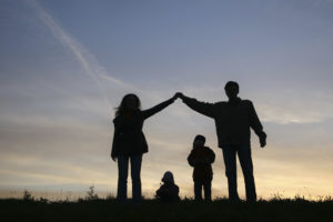 Законодательно закрепить понятие традиционной семьи в качестве основы общества