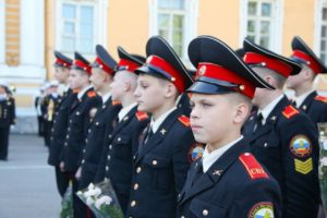 Создать в ДНР Суворовское училище