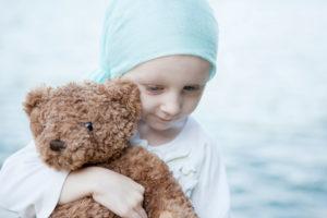 Организовать обеспечение онкобольных гуманитарной помощью в виде медикаментов