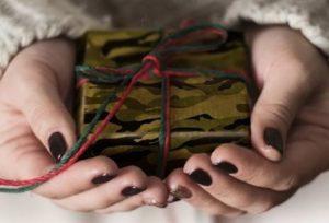 Какой самый лучший подарок на 23 февраля любимому мужчине?